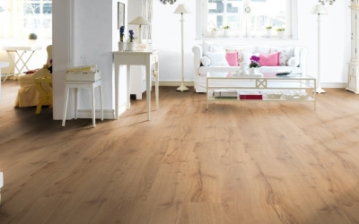 images/stories/virtuemart/product/526676-haro-laminat-tritty-100-landhausdiele-alpineiche-natur-authentic-matt-526676-1