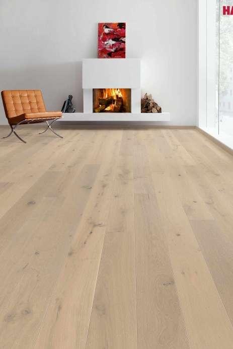 528140 haro parkett landhausdiele 4000 eiche perlgrau gekalkt sauvage strukturiert 2v fase lackiert. Black Bedroom Furniture Sets. Home Design Ideas