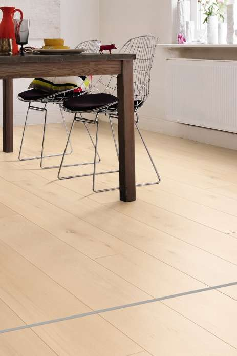 images/stories/virtuemart/product/535237-haro-laminat-tritty-90-landhausdiele-4v-designholz-harmony-soft-matt-535237-1