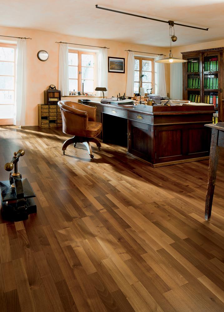 535566 haro parkett 3 stab schiffsboden 4000 bernsteinrobinie favorit lackiert. Black Bedroom Furniture Sets. Home Design Ideas