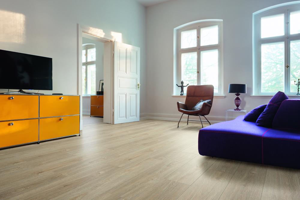 Vinylboden wohnzimmer hell raum und m beldesign inspiration - Wohnzimmer hell ...