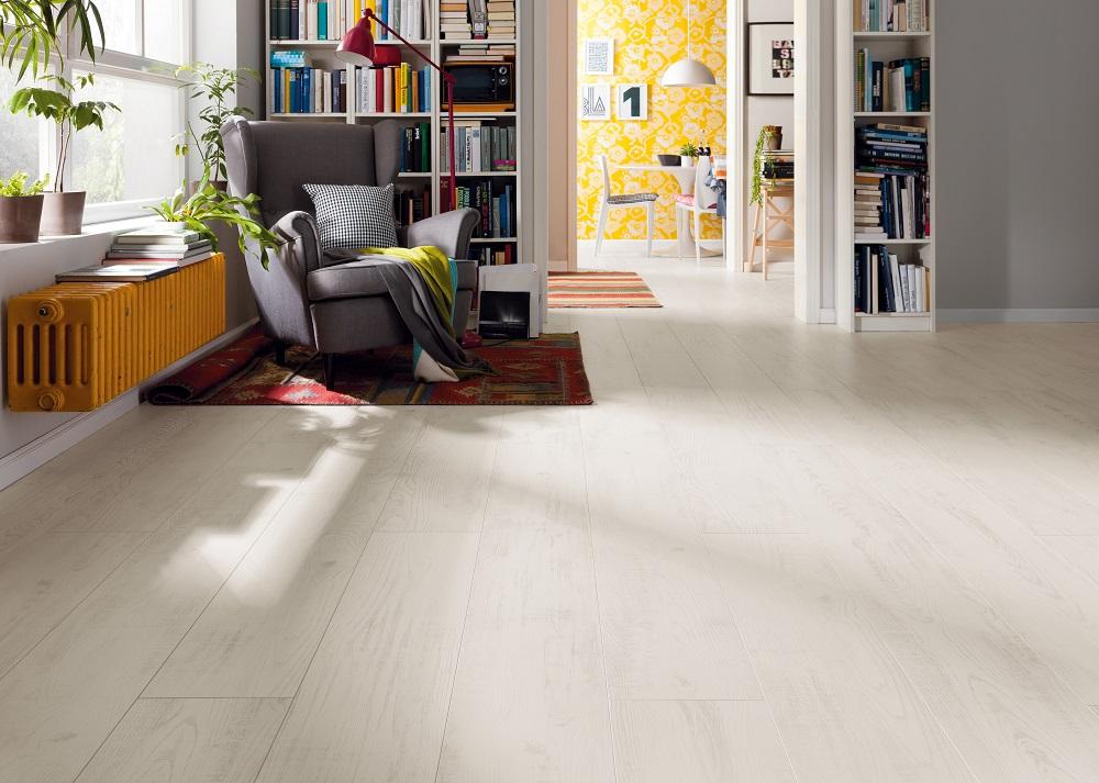 526703 haro laminat tritty 100 landhausdiele gran via 4v eiche natur authentic matt. Black Bedroom Furniture Sets. Home Design Ideas